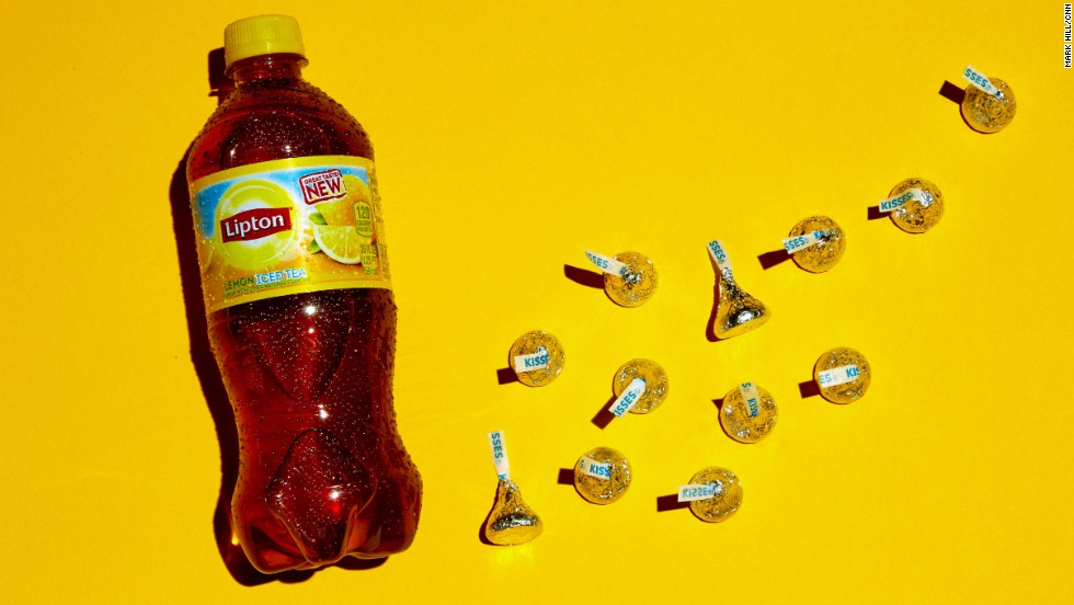 <strong>Tea: Lipton Lemon Iced Tea.</strong><br />There are 32 grams of sugar in this 20-ounce bottle of iced tea. Each of these 12 Hershey's Kisses contains approximately 2.5 grams of sugar.
