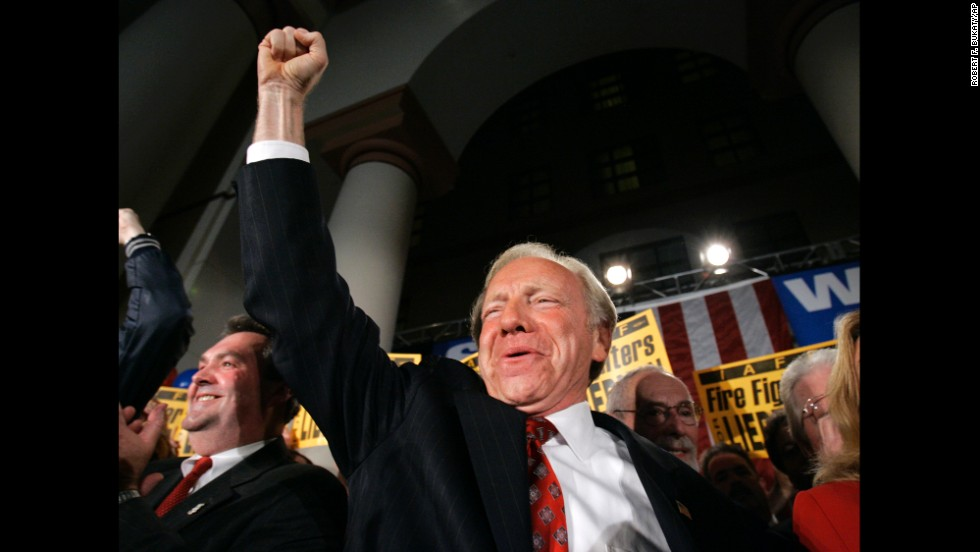 2006: After losing the Democratic primary to Ned Lamont, Sen. Joe Lieberman became an Independent and won the general election.