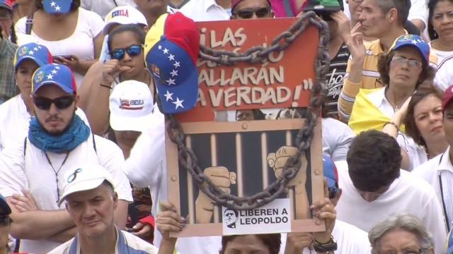 cnnee hernandez venezuela 4 months counting_00001405.jpg