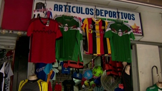 cnnee alis mexico world cup game prep_00011717.jpg