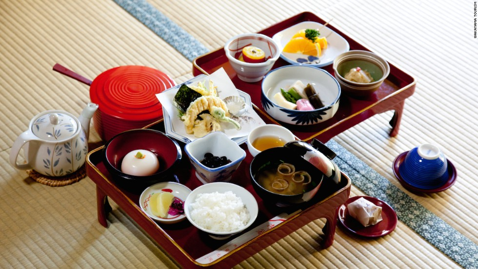 Shojin ryori meals contain no meat or animal products. Strong smelling vegetables such as spring onion and garlic are off limits, too. Prepared by the right chef, however, the food is delicious.