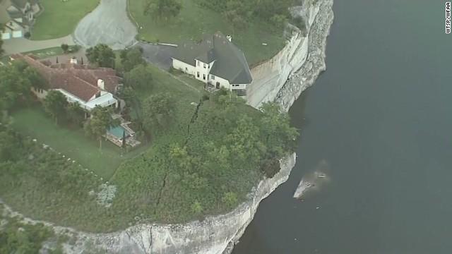 pkg homeowners of house teetering on cliff speak_00012918.jpg