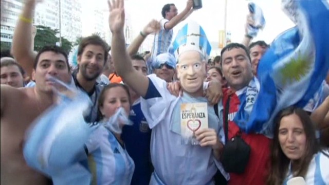 cnnee ramos brazil fans united_00000121.jpg