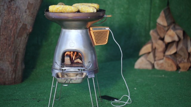devices-camp-stove-biolite-basecamp_00005502.jpg