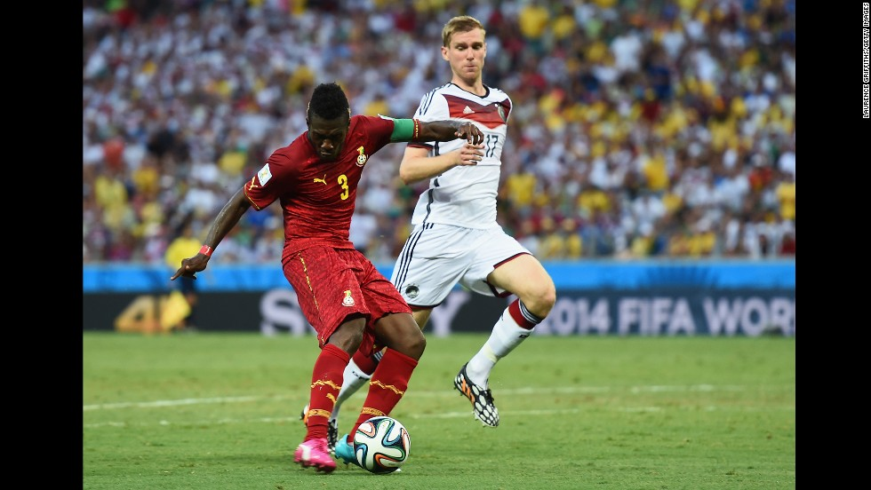 Asamoah Gyan of Ghana puts his team 2-1 head against Germany.