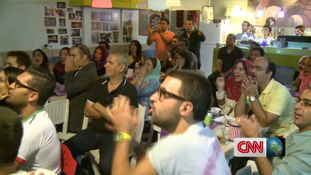 World Cup: Women and men cheer on Iran together