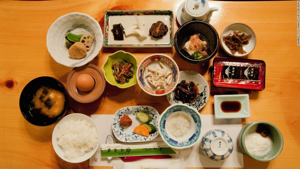 Guests are served traditional multi-course kaiseki dinners. Every dish is made from locally grown produce sourced from the neighboring mountains, some cooked in the onsen mineral waters.