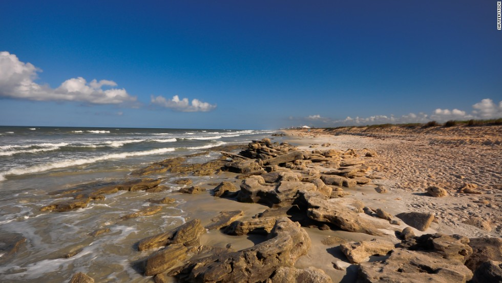 Part of Florida's Coquina Beach also receives consistently high water quality grades.