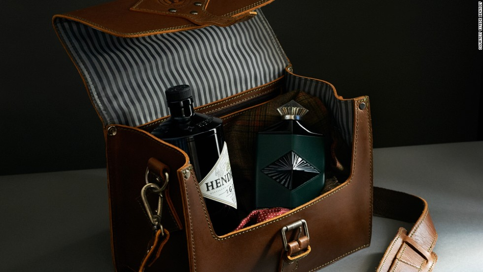 If summer means gin and tonics on the beach, there's no finer way to tote Hendrick's Gin than in a quality leather satchel.