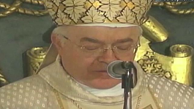 cnnee janiot expelled priest vatican_00004912.jpg