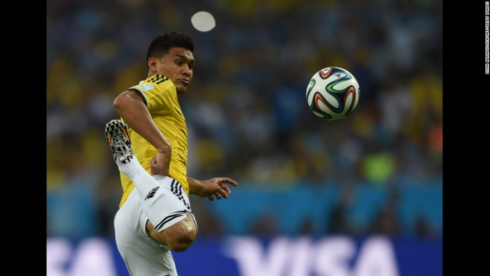 Colombia's Teofilo Gutierrez controls the ball.