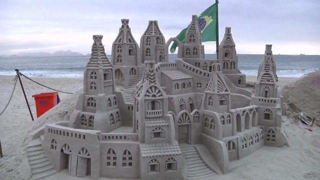 cnnee montero brazil sand castles architecture_00000024.jpg