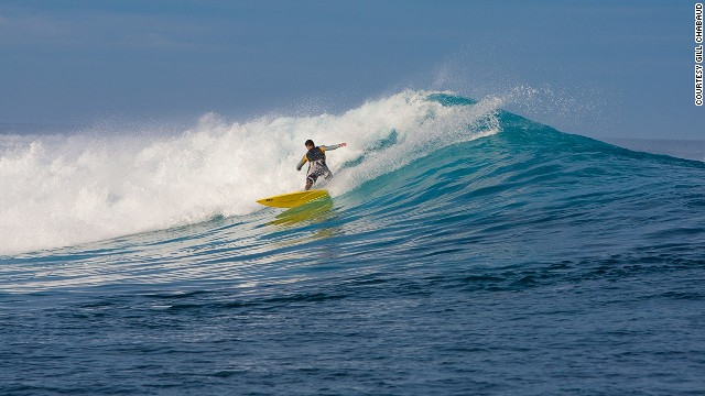 Offshore, the swell hits the outer reef to produce thick and hollow waves.