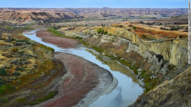 Little Missouri River winding through Wind Canyon, Theodore Roosevelt National Park, North Dakota