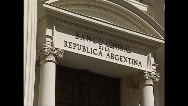 cnnee jose manuel rodriguez argentina debt pkg_00005824.jpg