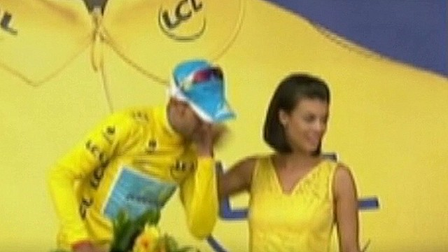 Cyclist's missed kiss most awkward ever?