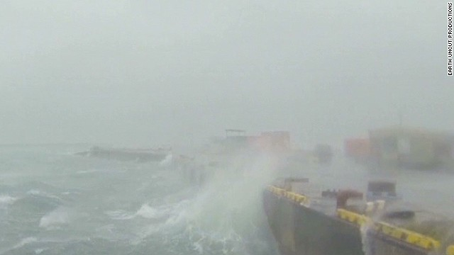 newday typhoon strikes japan_00000305.jpg