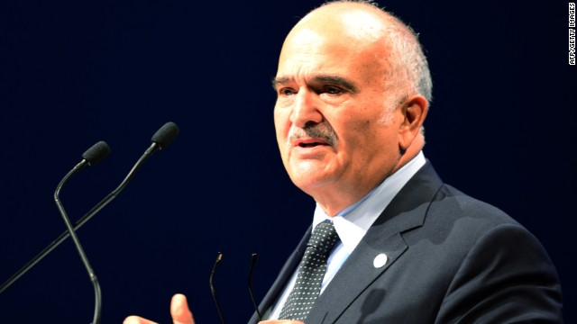 Prince El Hassan bin Talal of Jordan speaks in Budapest on October 8, 2013.