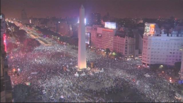 cnnee pkg jose manuel rodriguez on argentine victory _00004103.jpg