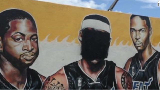 nr navarro brazile lemon lebron james mural miami_00000727.jpg