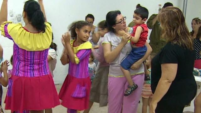 tsr pkg magnay israel kids in shelters_00005314.jpg