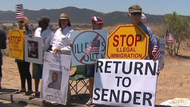 More move against Obama on border crisis