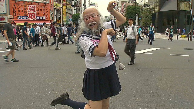 Japan's cross-dressing icon: Be yourself