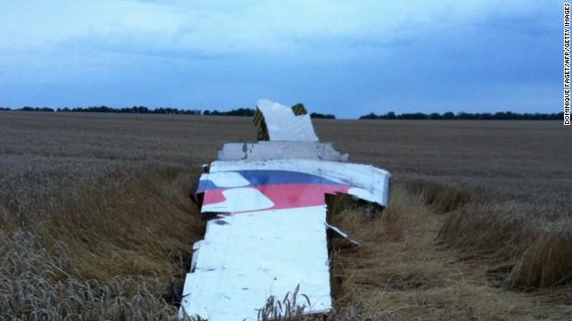 Imágeenes del avión Malaysia Airlines que se estrello cerca de la frontera entre Rusia y Ucrania.