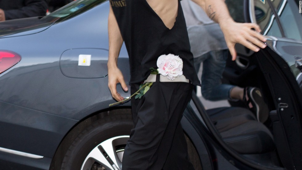 "Jared Leto arrives in Paris smelling swell -- or so we assume from that ""flower"" on his pants ."