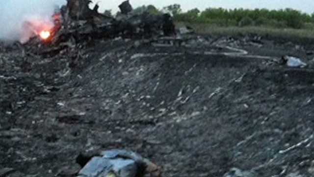 cnn tonight noah sneider mh17 body parts_00005608.jpg