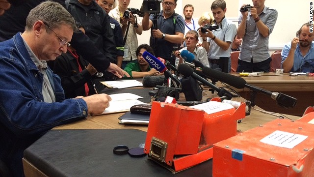 MH17 black boxes handed over to Malaysia