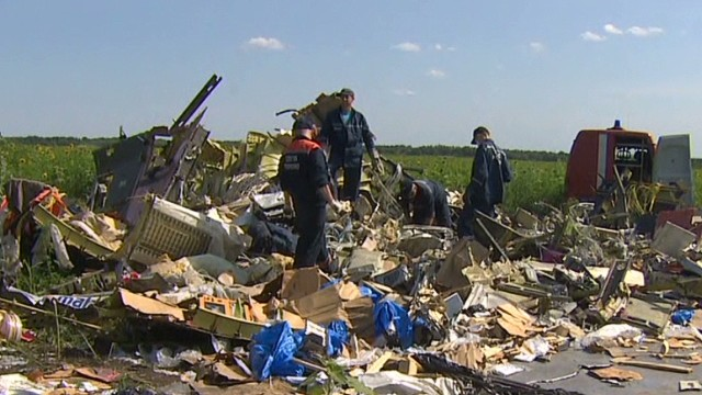 Bodies of MH17 victims arrive in Kharkiv