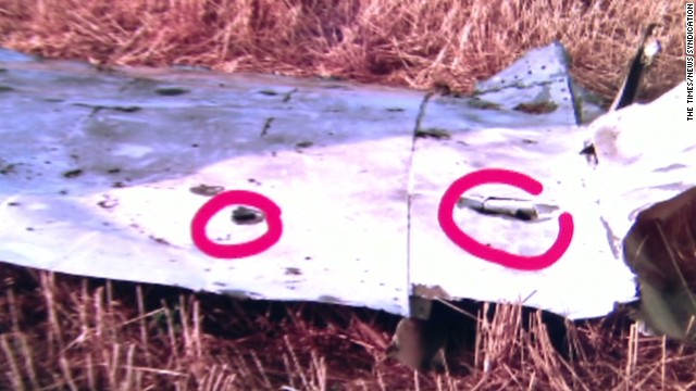 What will MH17 investigators look for?