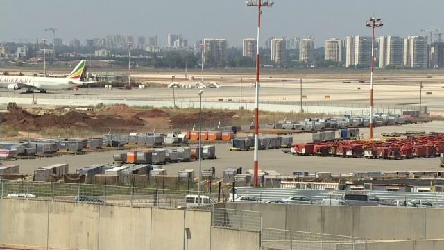 cnnee levy israel flights canceled _00004401.jpg