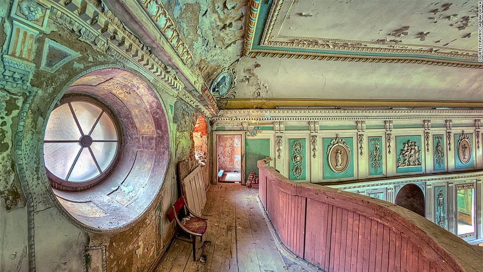 Polish photographer Patrycja Makowska takes incredibly detailed shots of ruined buildings but refuses to divulge their location.
