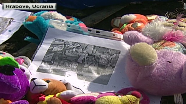 cnnee laje ukraine hrabove mh17 investigation_00040305.jpg