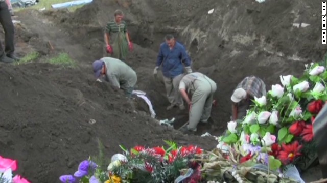 Human Rights Watch: Mass grave found in Ukraine