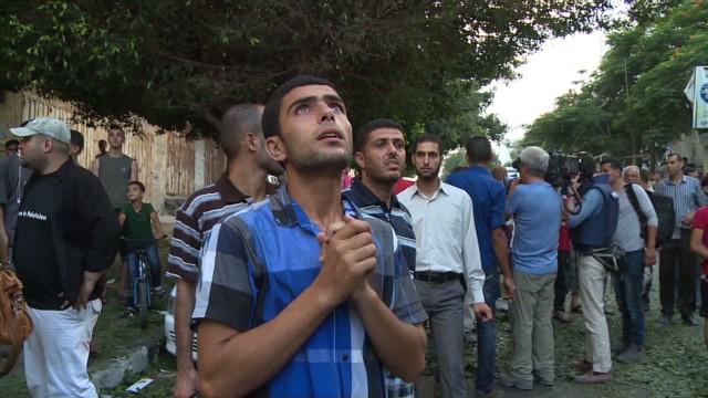 cnnee israel palestine clashes pkg levy_00010113.jpg
