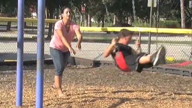 dnt fl mom arrested for letting son walk to playground_00011618.jpg