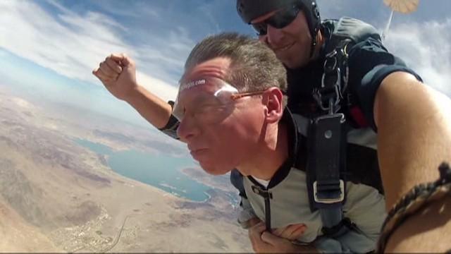 pkg blind man skydives in vegas_00003911.jpg