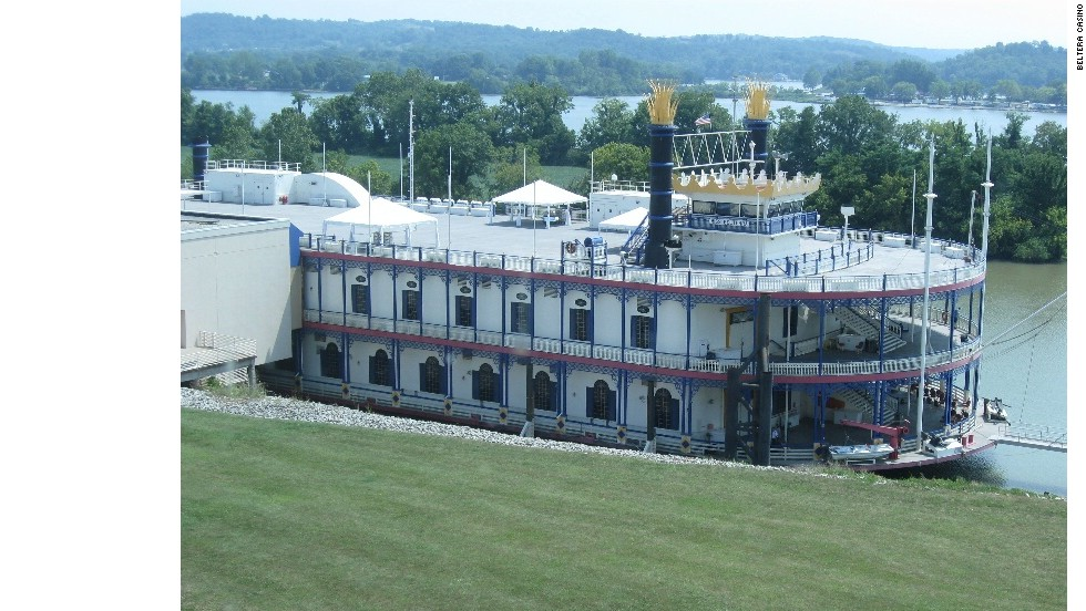 Featuring 38,000 square feet of tables and slots on two of its levels, Florence, Indiana's Miss Belterra doesn't leave port, but its third floor deck overlooks the Ohio River.