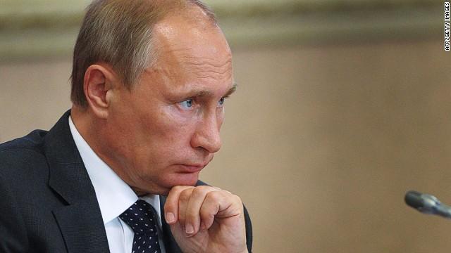 Putin strikes back against sanctions