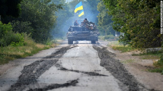 Rebel clashes halt MH17 investigation