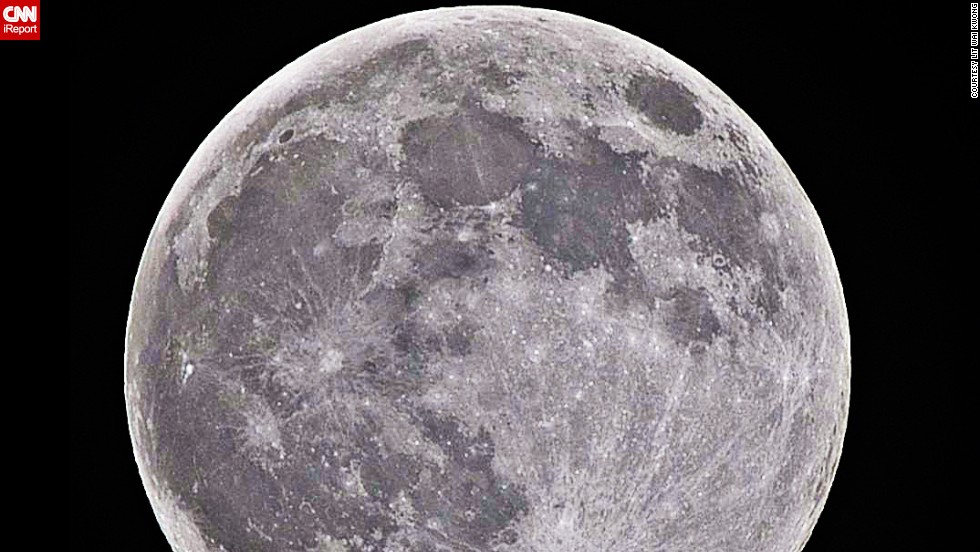 "<a href=""http://ireport.cnn.com/docs/DOC-1160258"">Lit Wai Kwong</a> is a 29-year-old Hong Kong-based photographer who snapped this stunning supermoon photo on August 10 with a Nikon DSLR and a 500mm superzoom lens."