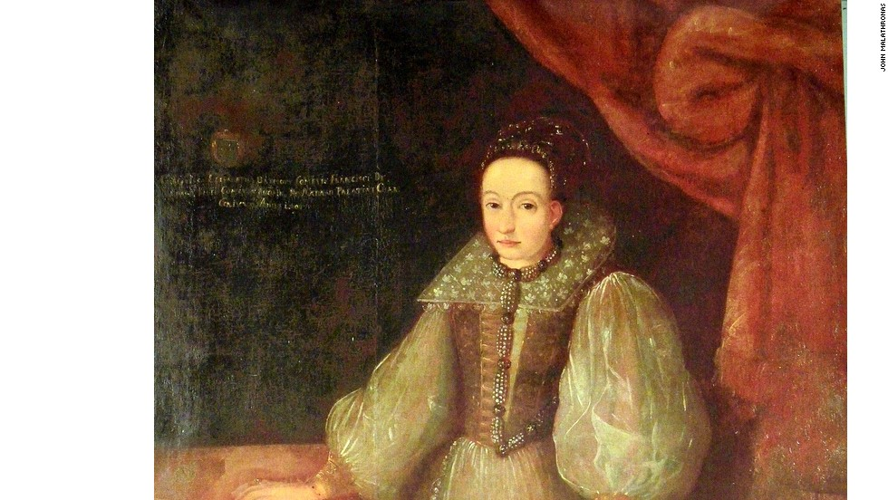 Highborn and unaccountable, Elizabeth Bathory was the absolute ruler of a patch of what is now Slovakia. With the help of three of her servants, she sadistically tortured between 100 and 650 girls to death.