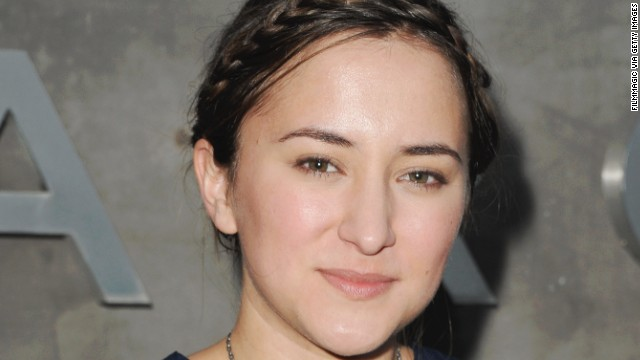 Actress Zelda Williams, the daughter of Robin Williams, closed her social media accounts after abuse after her father's death.