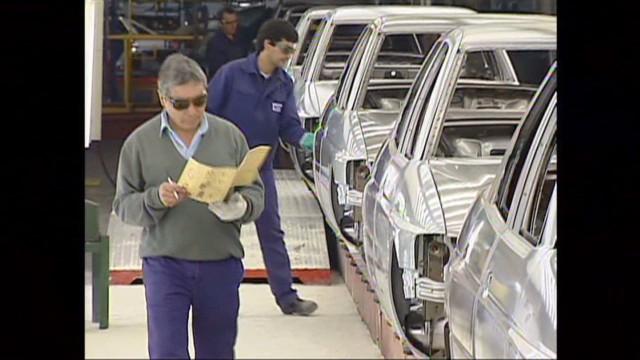 cnnee pkg ivan perez sarmenti employment argentina_00001025.jpg