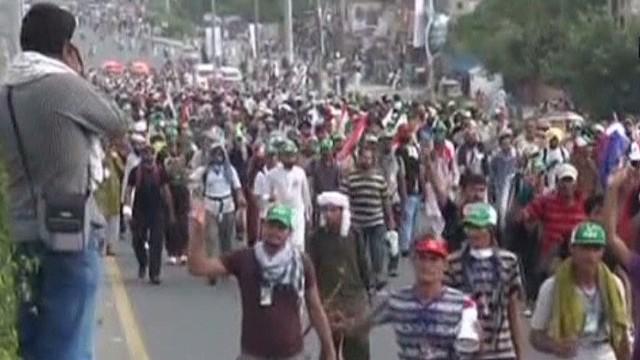 pkg mann pakistan clashes_00011706.jpg