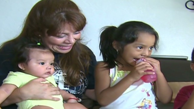 cnnee lugo pkg children inmigrant_00012019.jpg