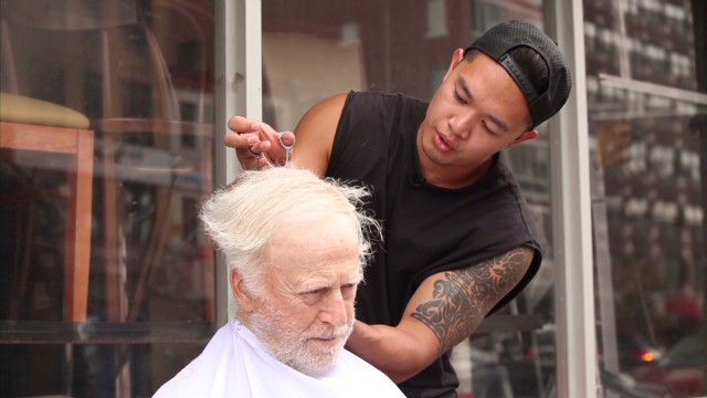 money free haircuts for the homeless mark bustos_00000103.jpg